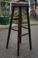 изработка на бар столове за механи и кръчми