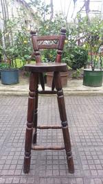 изработка на дървен бар стол